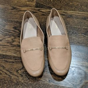 Also tan loafer shoes size 7.5